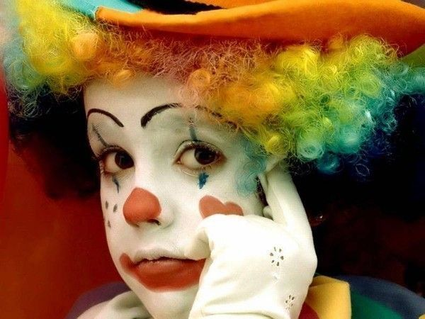 Les clowns  B0707ba9