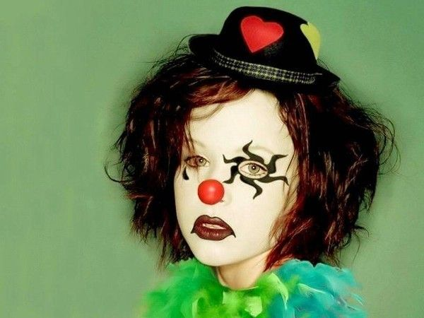 Les clowns  D75fb100